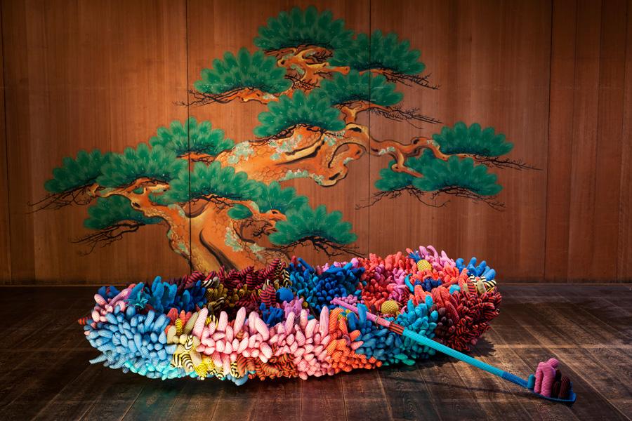 草間彌生代表作品「私の魂を乗せてゆくボート」