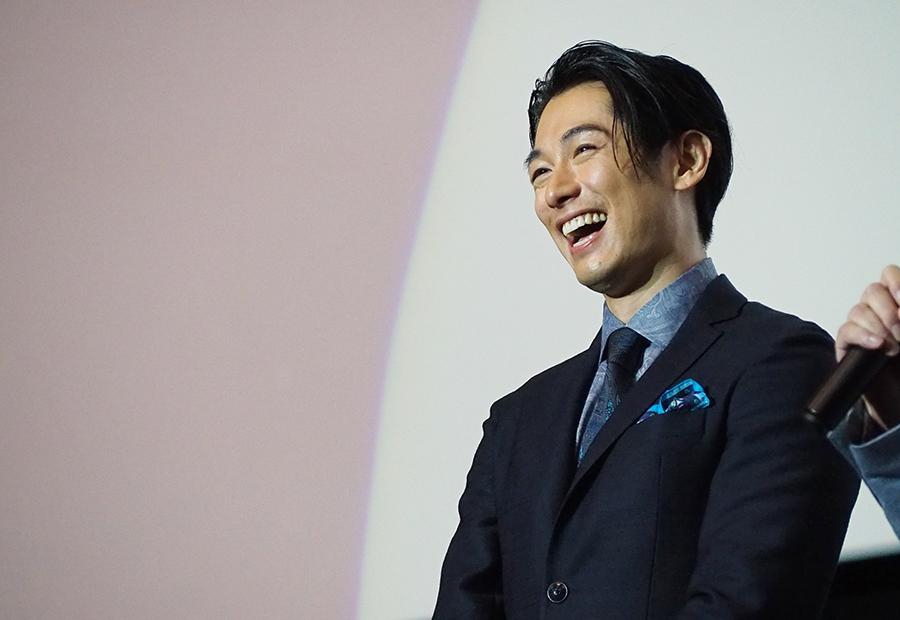 終始、笑顔でトークを展開したディーン・フジオカ(13日・大阪市内)画像一覧