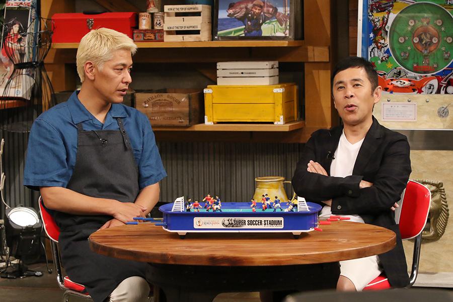 MCをつとめるナインティナイン・岡村隆史とロンドンブーツ1号2号・田村亮
