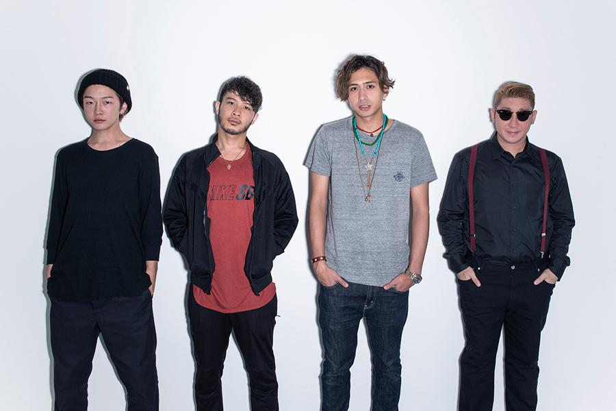 SPiCYSOL(左から)KAZUMA(dr)、KENNY(vo,g)、AKUN(g,cho)、PETE(trumpet,cho,key)