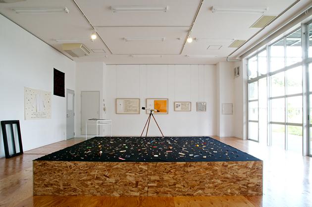 牛島光太郎《意図的な偶然》展示風景 2011年