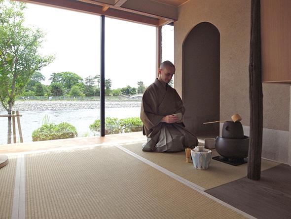 茶室の土壁には、朝日焼の陶土である、宇治の土を使う