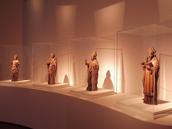 ボイマンス美術館イチオシの木彫作品。「バベルの塔」以外の作品も充実しているので、お見逃しなく