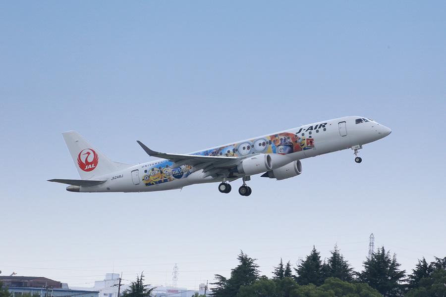 この日、初フライトとなったJALミニオンジェット(27日・大阪国際空港)