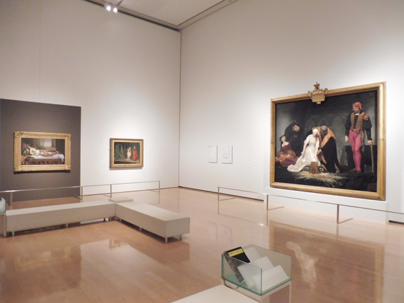 右:ポール・ドラローシュ《レディ・ジェーン・グレイの処刑》1833年 油彩・カンヴァス ロンドン・ナショナル・ギャラリー 中:フィリップ・ハモジェニーズ・コールドロン《何処へ?》1867年 油彩、カンヴァス ロイヤル・アカデミー 右:ゲルマン・フォン・ボーン《クレオパトラの死》1841年 油彩、カンヴァス ナント美術館