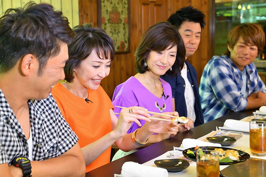 「『日焼け・むくみ・冷え』を撃退する料理が食べたい」という賀来千香子にはてっちゃん鍋の名店を紹介