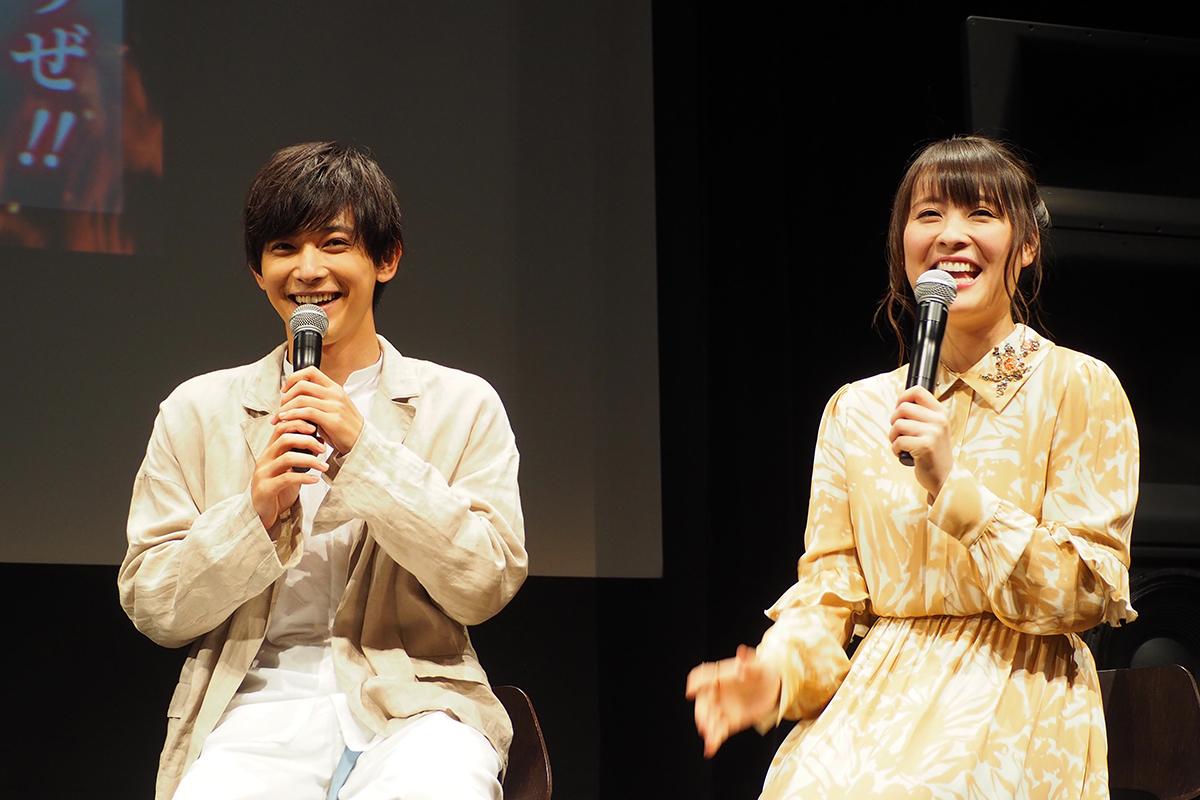 試写会&トークショーに登場した吉沢亮(左)と北乃きい(13日、大阪市内)
