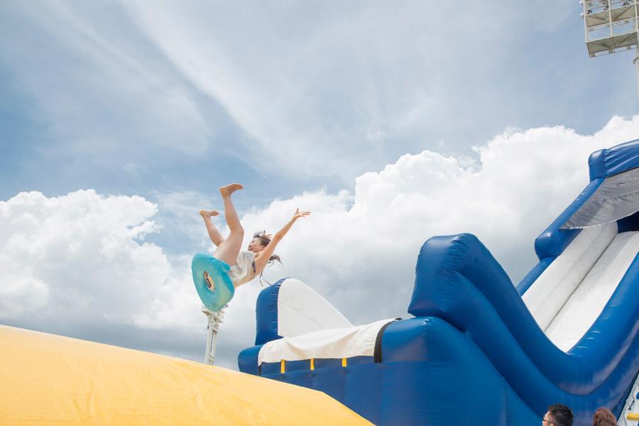 勢いよく飛び出せれば宙を舞うことができる「ジャンピングスライダー」