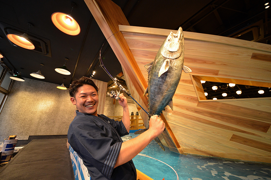 漁師気分を楽しめるエンタメ系居酒屋「ジャンボ釣船 つり吉」