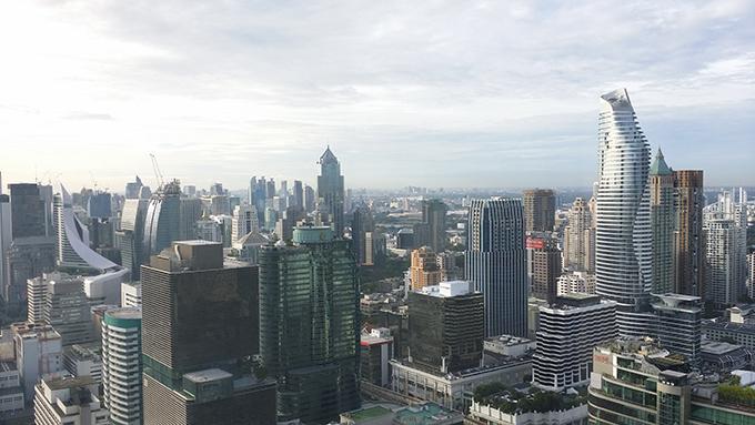 大都会バンコクの景観が見下ろせる