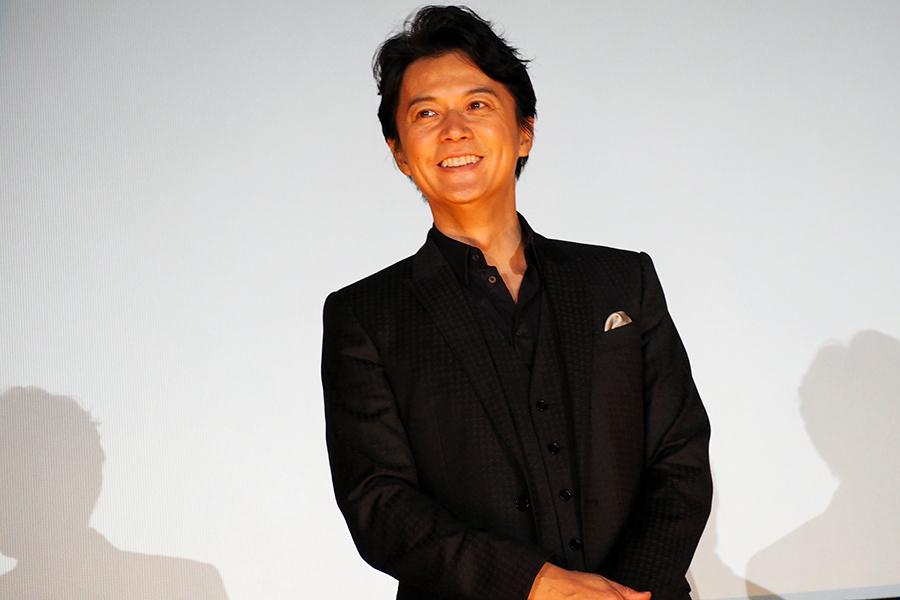 主演映画『三度目の殺人』の舞台挨拶に登場した福山雅治(29日・大阪市内)