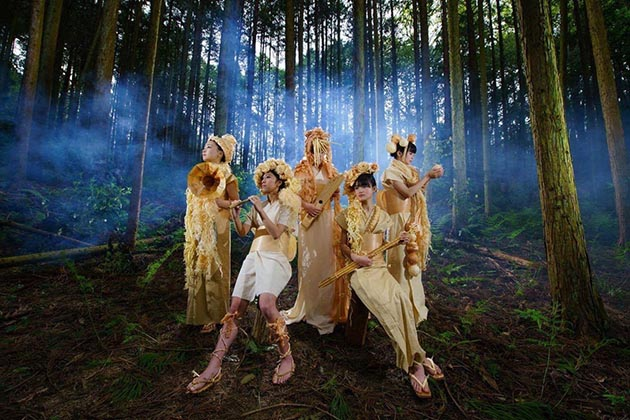 河内長野の森で切った木で作った楽器を奏でる。いったいどんな音が!?