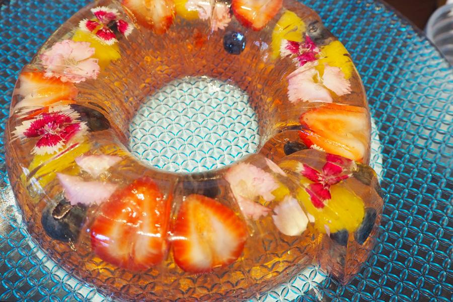 エディブルフラワー(食用花)が入った見た目も華やかなゼリー