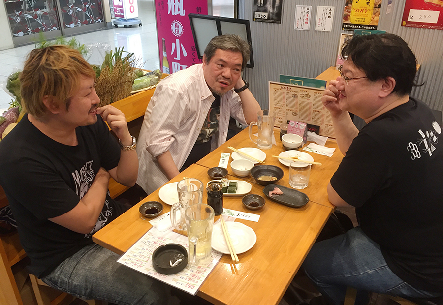 左から田辺ユウキ、春岡勇二、ミルクマン斉藤の座談会メンバー