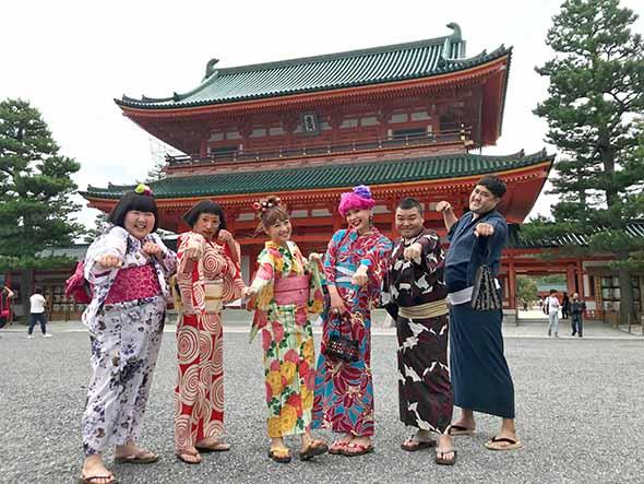 「初めてのインスタで「いいね!」ツアー in秋の京都編」のロケスタートは平安神宮から