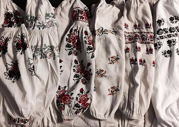 ウクライナのヴィンテージ刺繍ワンピース