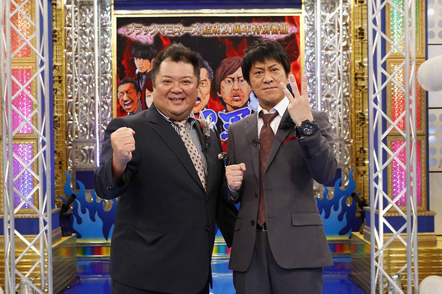 結成20周年特番の収録をおこなったブラックマヨネーズの小杉竜一(左)と吉田敬