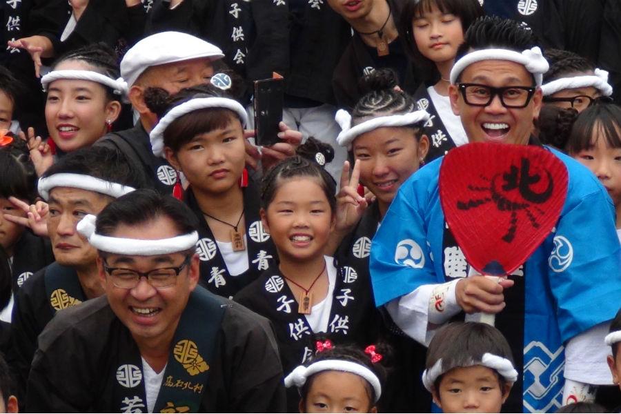 「世界のお祭りに行かせてもらってますけど、日本の祭りって歴史と伝統と文化が違うなって」と宮川