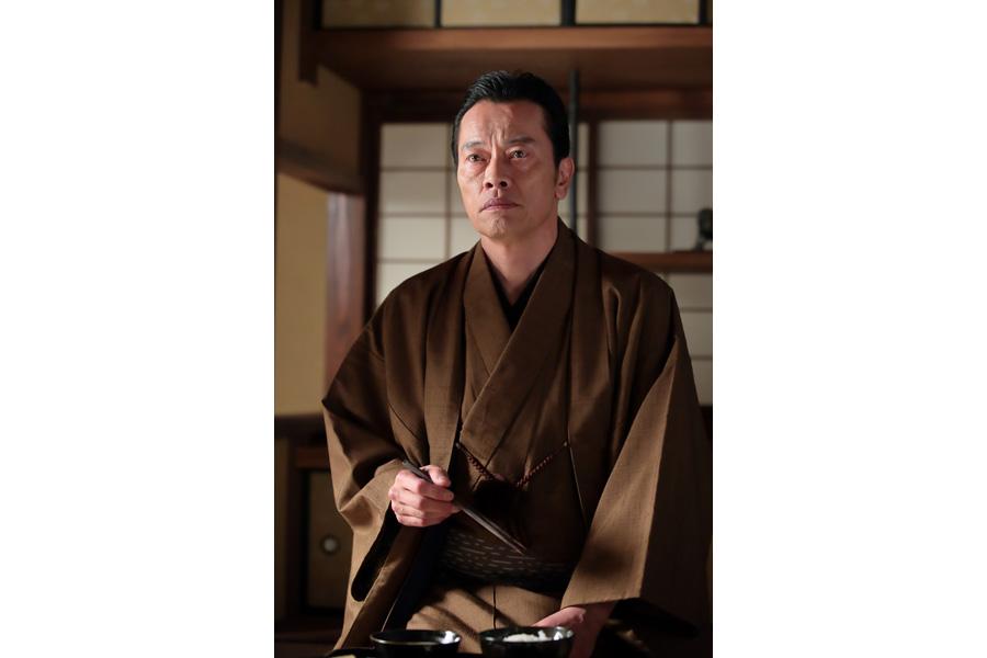 遠藤いわく、「儀兵衛という人物は、仕事にまっすぐな堅物の男」