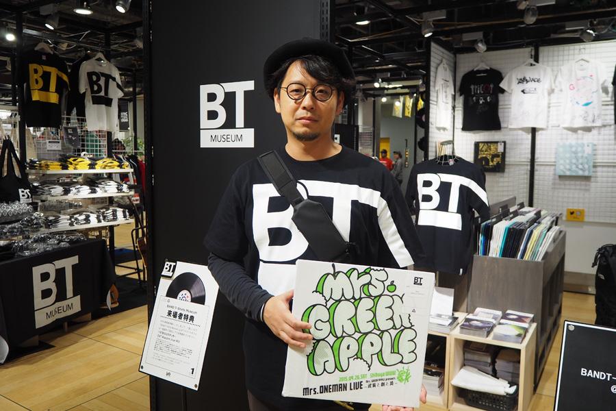 「バンドTシャツはアーティストの分身だと思うんです」と、加藤晴久さん