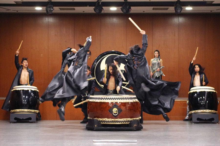 「太鼓のかっこよさを追求したい」というDRUM TAOが最新公演で全国ツアー
