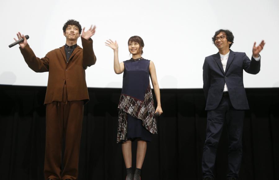 大阪出身の有村架純(中央)は、「ホームって感じがします」とコメント(8日・大阪市内)
