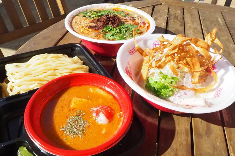 ヴィーガン担々麺や、完熟トマトのつけ麺、濃厚鶏白湯など・・・どれも食べたくて選べない
