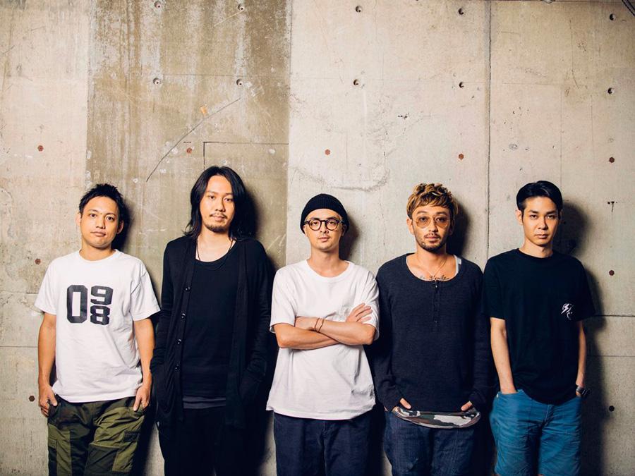 ORANGE RANGE(左からHIROKI、YOH、YAMATO、RYO、NAOTO)