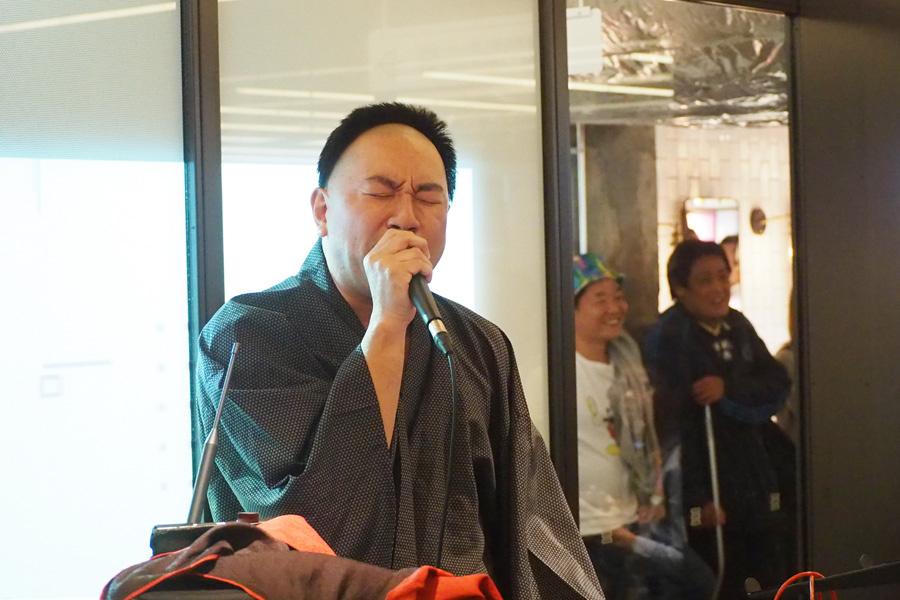 THE BOOMの『風になりたい』に乗せて福島瑞穂あるあるを歌い上げたこぶしたかし