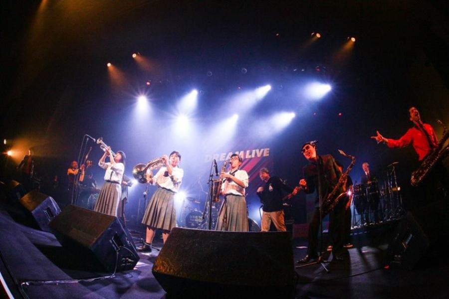管楽器のキメには大歓声が(写真提供:FM802)