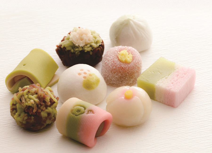 和菓子12種に千家の呈茶までいただける