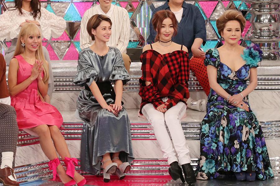 左より、アイリさん、ダレノガレ明美、平子理沙、デヴィ夫人