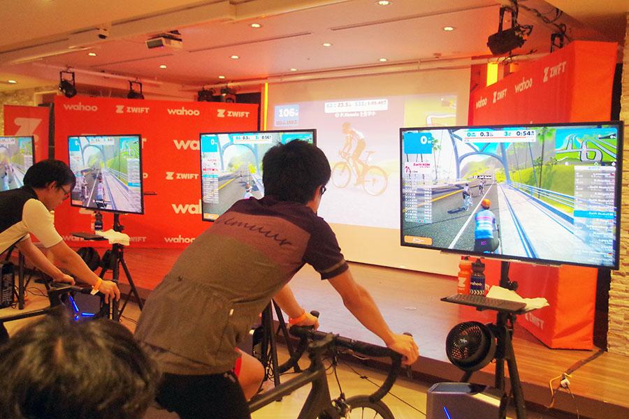 本当に自転車で走っている錯覚になるオンラインサービス「ズイフト」
