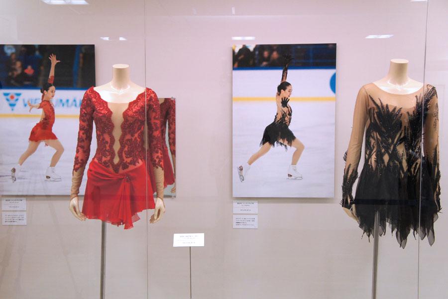 現役最後の試合の衣裳。「同じ曲なんですけど、衣裳は全く違う感じで表現できてるいる。すごい気に入っている衣裳の1つです」と浅田
