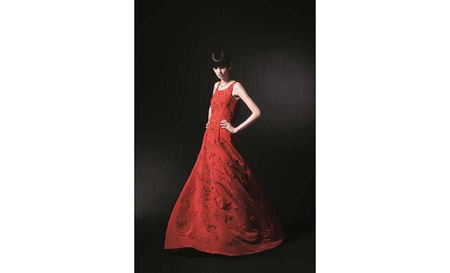 「記念写真付きドレス福袋」は、5階ドレスギャラリーで販売