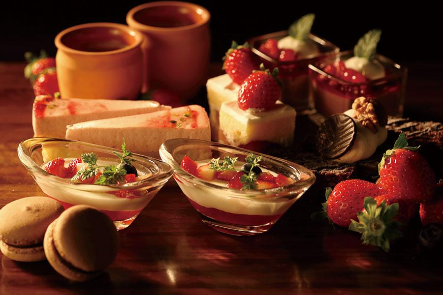 パルマ最古のチョコレート「バンキーニ」と兵庫県産のいちごを使ったブッフェ