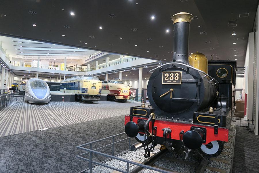 『京都鉄道博物館 夜の特別観覧ツアー』の開催日は2018年3月10日。参加できる日か確認して応募を