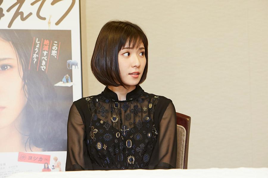 「渡辺さんが現場の空気を明るくしてくれた」と松岡茉優