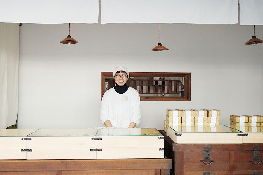店長の田中純子さん。いずれ故郷の京丹後市でも、地元おすすめの牛乳とともに支店を出したいとの夢も