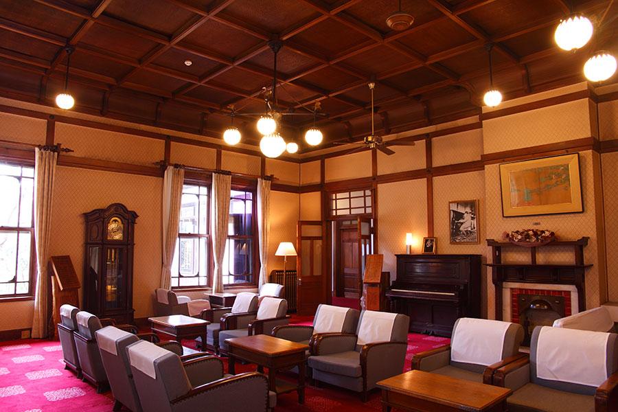 明治42年に誕生した、歴史ある奈良ホテル。現在の本館は建築家・辰野金吾が担当