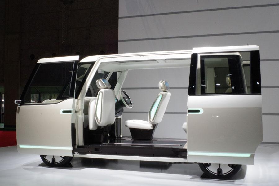 ママを応援する次世代型モアスペース軽自動車「DN U-SPACE」