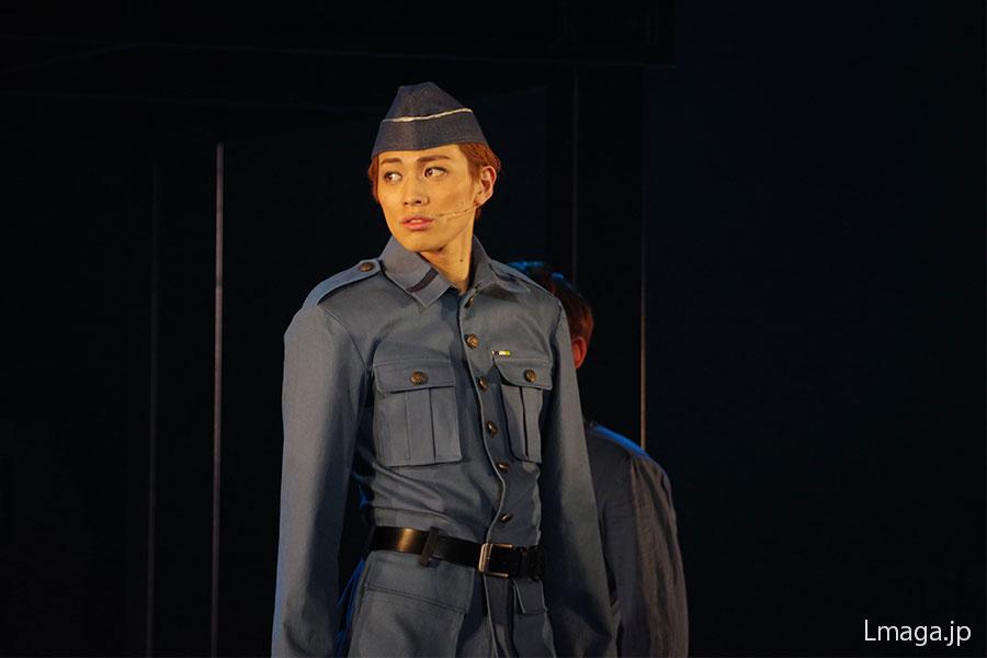 『スカーレット・ピンパーネル』に続き大作に出演の東啓介は、伸びしろのある歌声や演技を披露し引き付けた