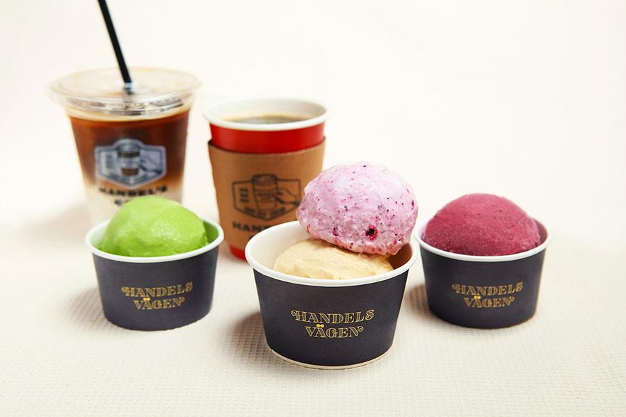 「ハンデルスカフェ」は、和食出身の料理人が手掛け、素材の風味を活かしたアイスクリームが人気