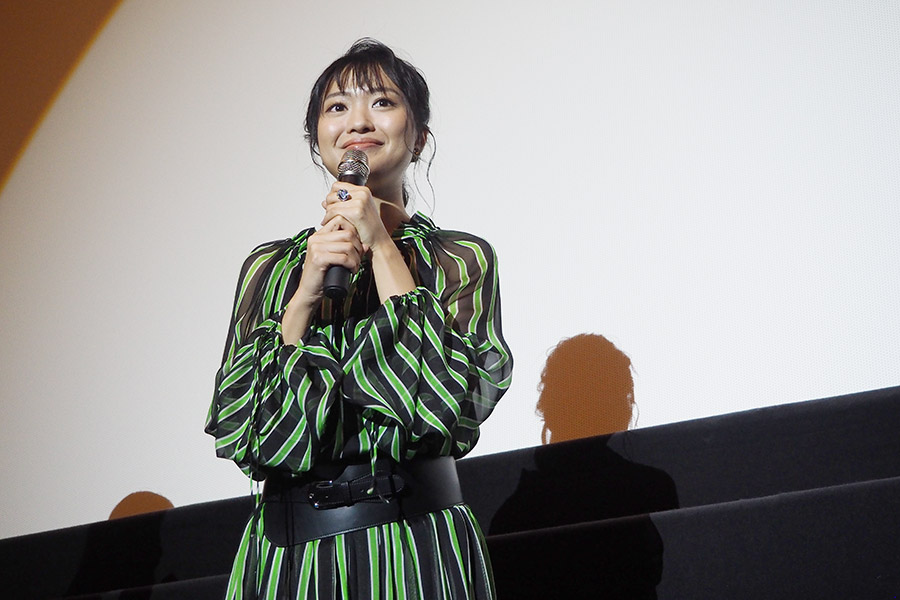 主演映画『サニー/32』の舞台挨拶に登場した北原里英(6日・大阪市内)