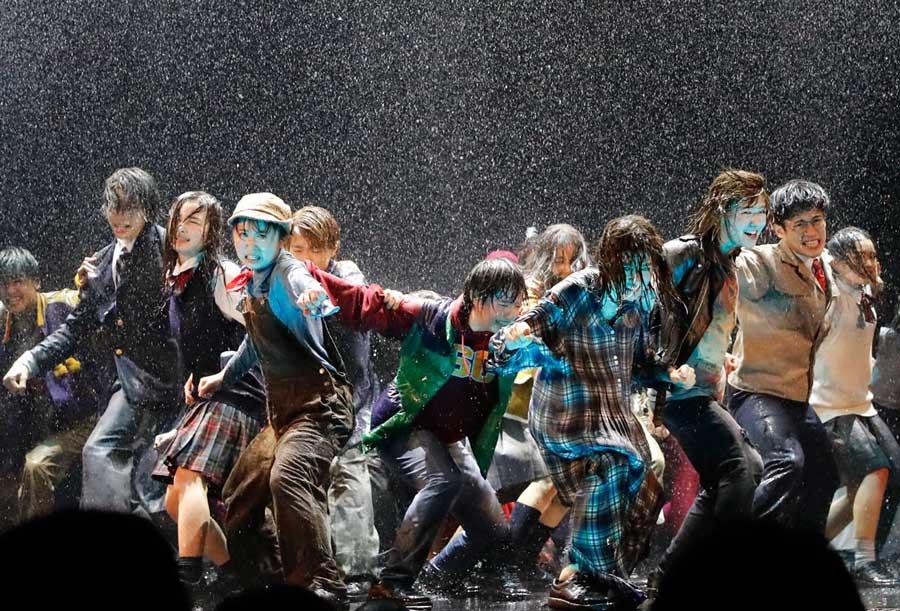 劇団「4ドル50セント」の旗揚げ公演『新しき国』より