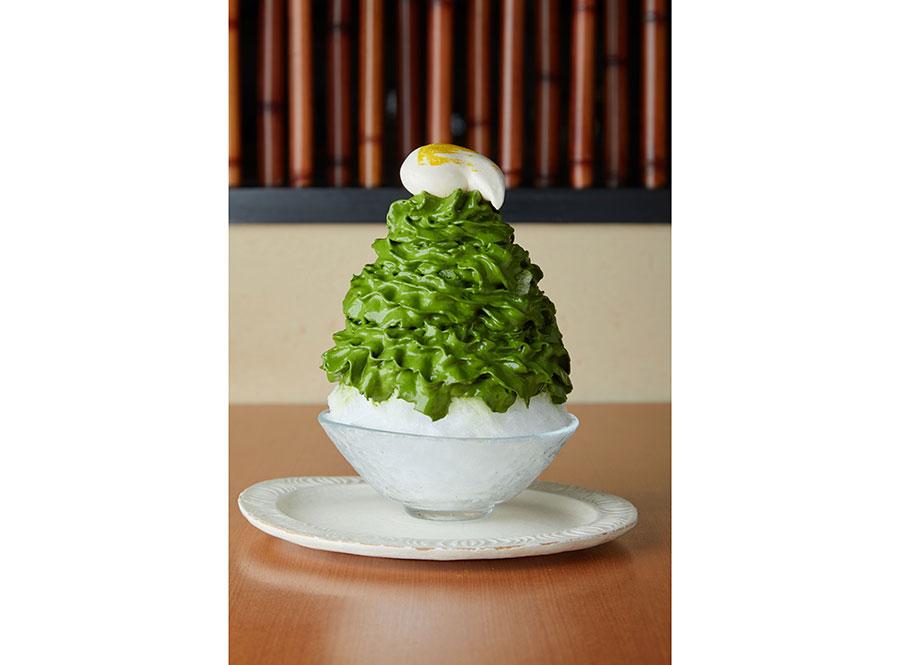 京都にある茶匠 清水一芳園の「宇治抹茶エスプーマ もちふわクリーム大福入り」
