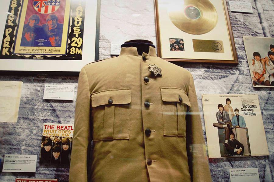 「ビートルズ展」より ポール・マッカートニーのステージコート
