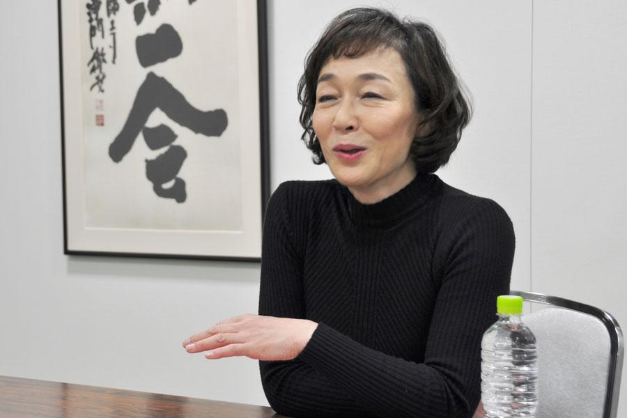 不定期ながら俳優の大谷亮介と組むコンビ「Dolly&Tanny」としても活動するキムラ緑子