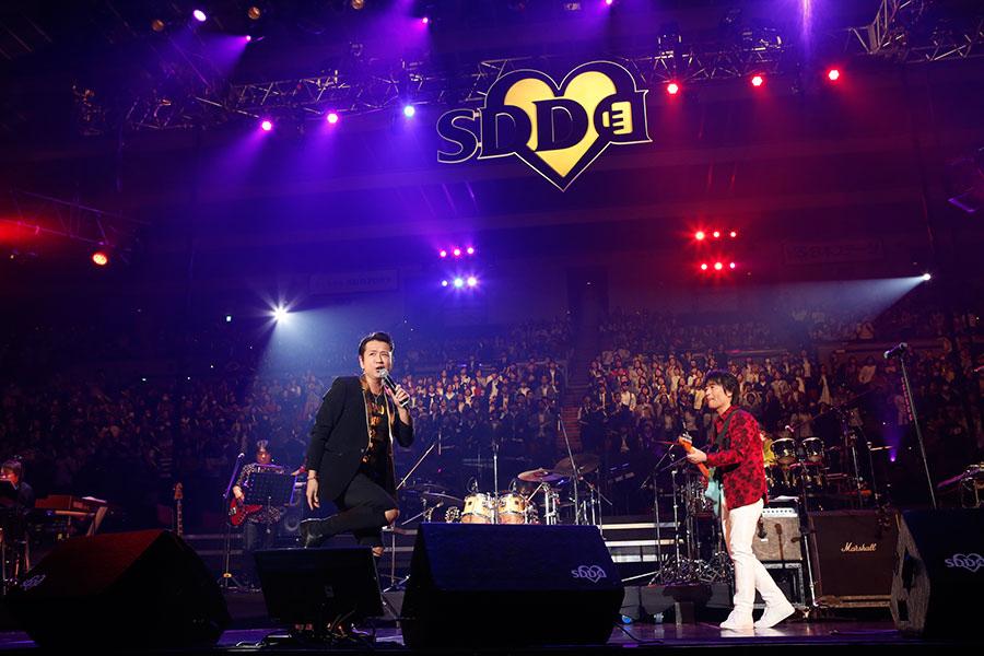 『LIVE SDD 2018』に登場した藤井フミヤ、スターダスト・レビュー(17日、大阪城ホール)