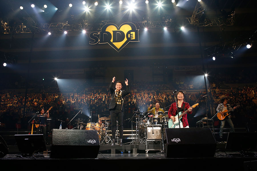 藤井フミヤの『GIRIGIRIナイト』もスタレビの演奏で(写真提供:FM OH!)
